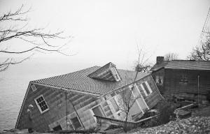 Falling.House
